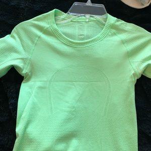 Lululemon lime green size 2 long sleeve